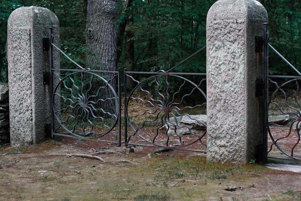 haunted massachusetts ghosts cemetery