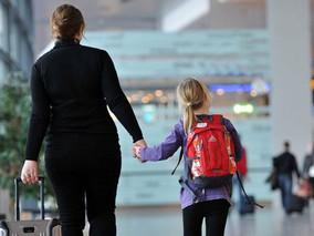 Nova lei exige autorização judicial para menores de 16 anos viajarem sem os pais