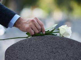 Quais são os trâmites legais após o falecimento de uma pessoa