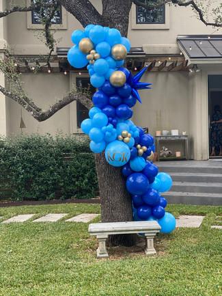 10ft organic balloon installation