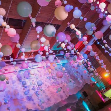 Ceiling balloon installation