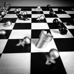Art Chess collaboration with Purling