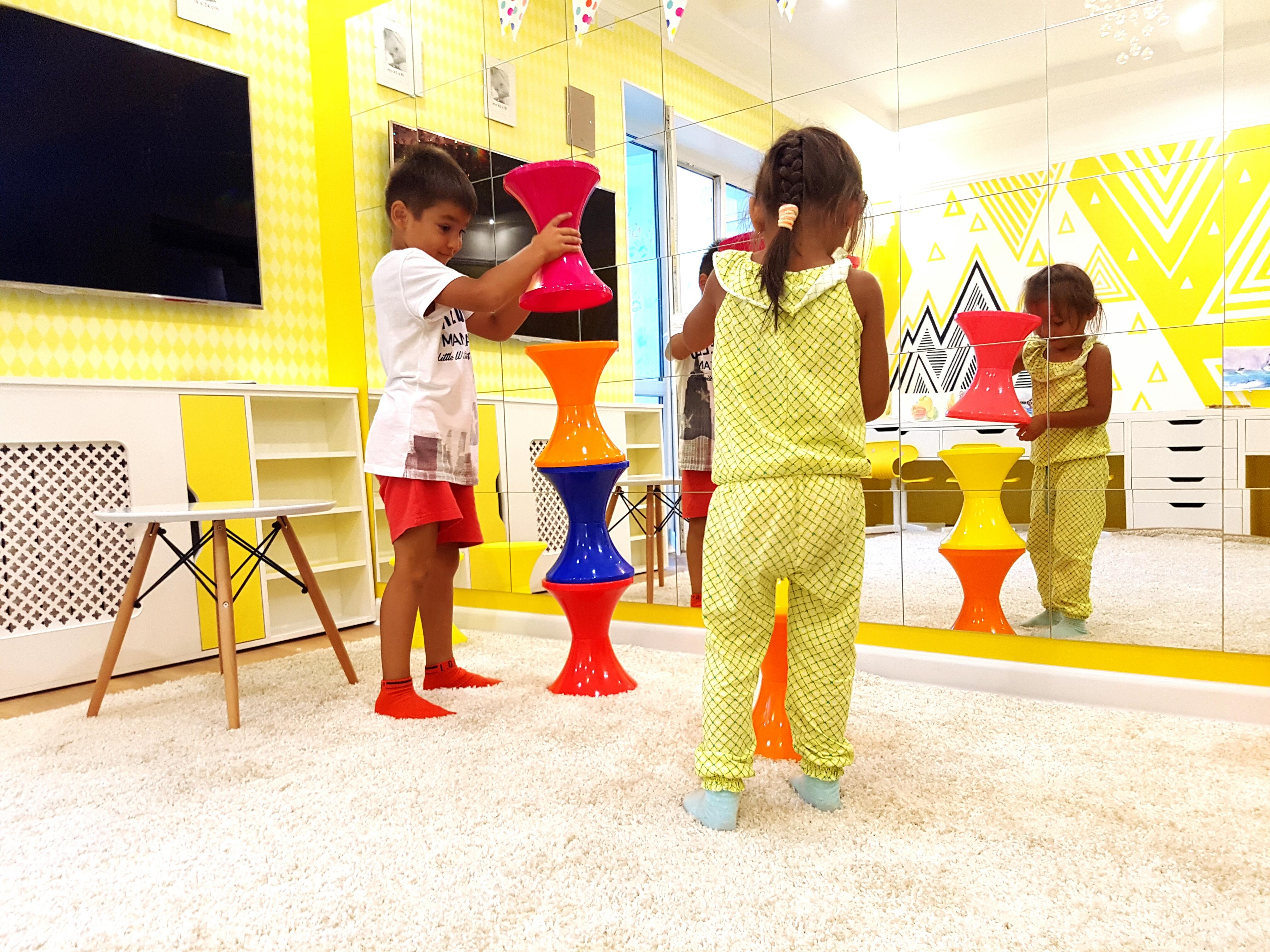 123 академия зеркальный зал