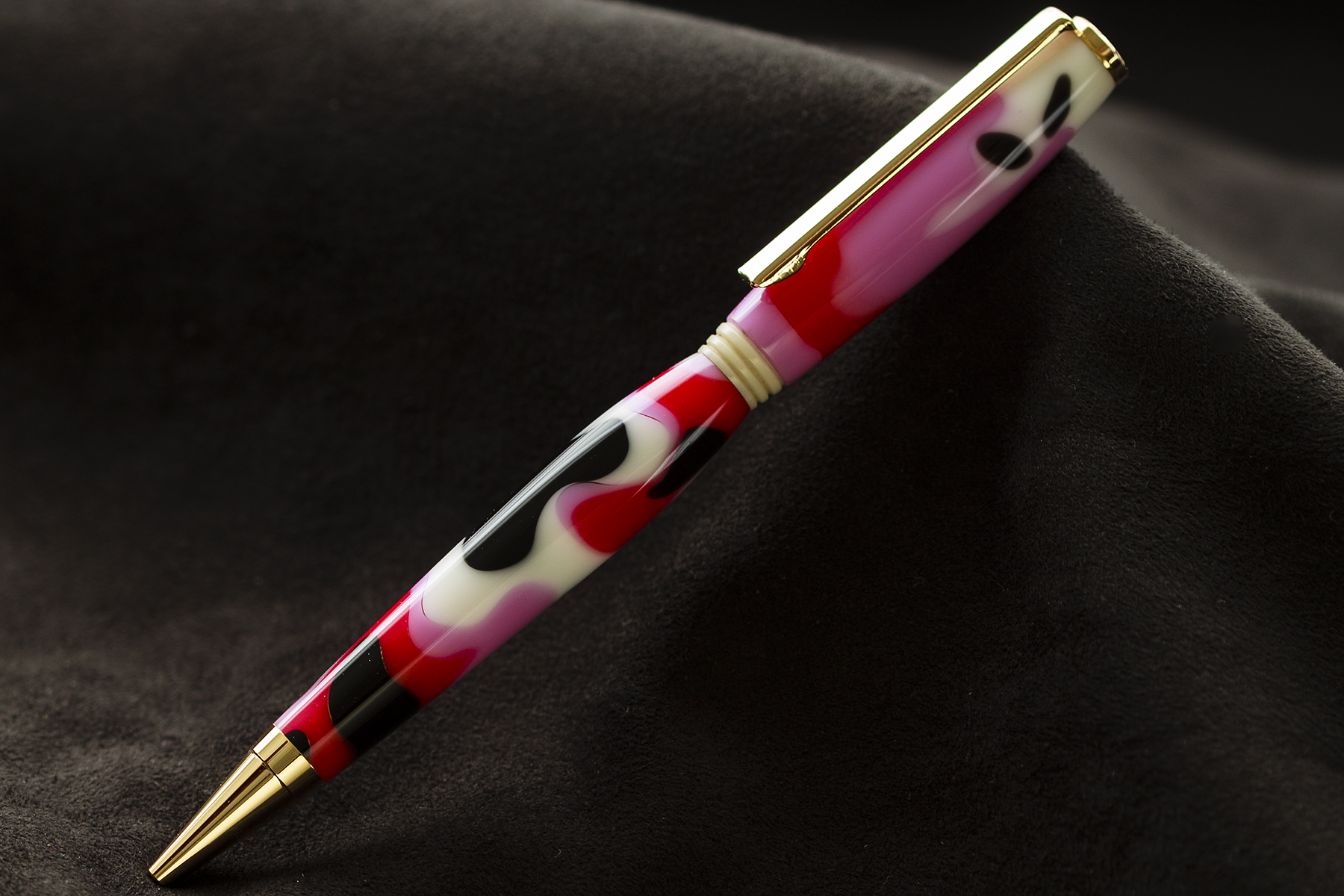 Bolígrafo en Resina Rosa, Roja, Blan