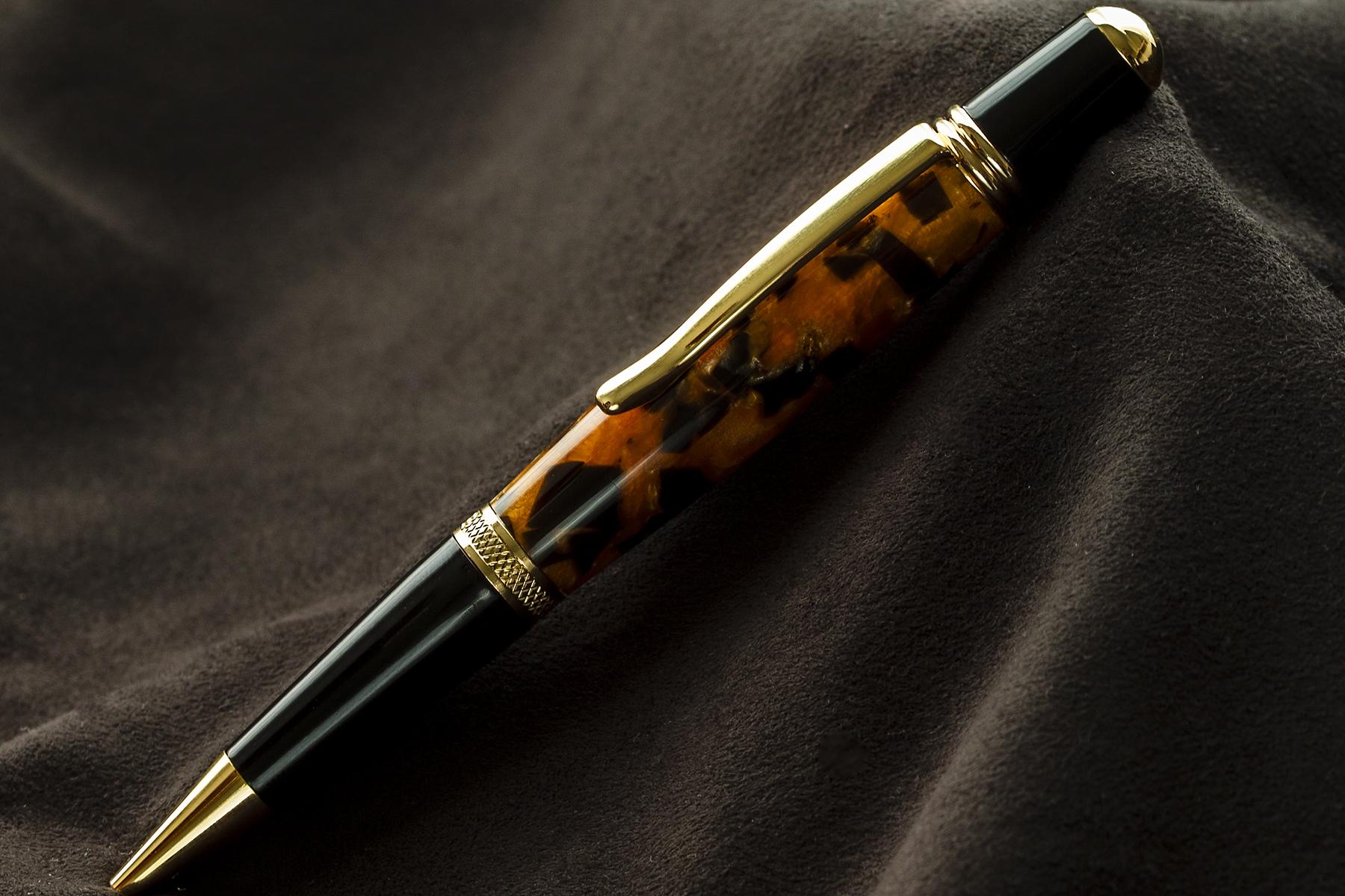 Bolígrafo en Resina Naranja y Negro