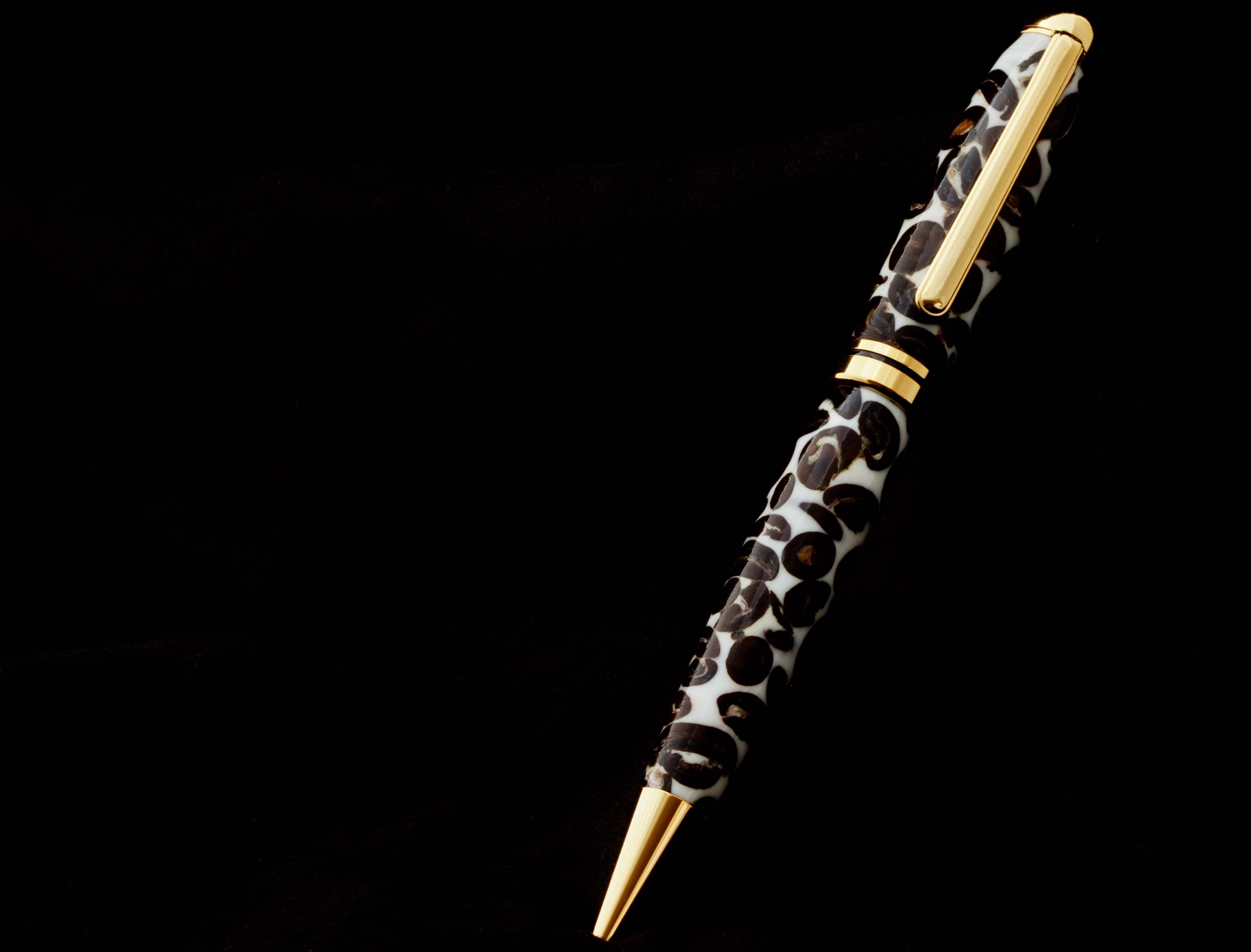 Bolígrafo con granos de café