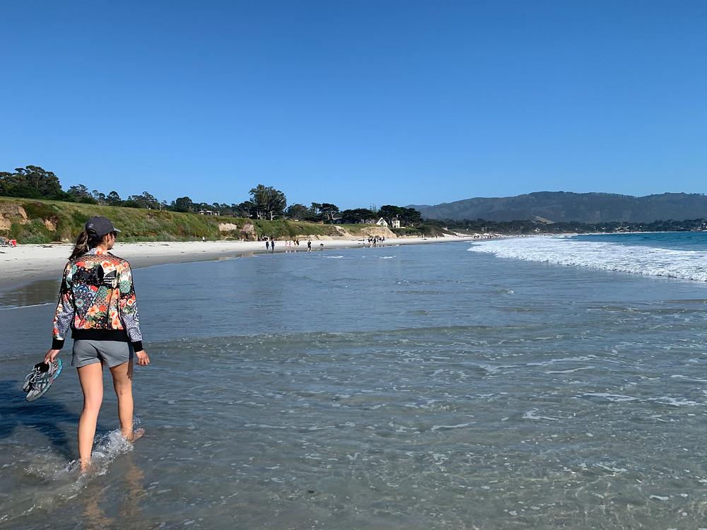 Walking in Carmel Beach - CA