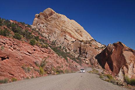 En Utah sur le Burr Trail, traversée de la chaine de Capiltol Reef.