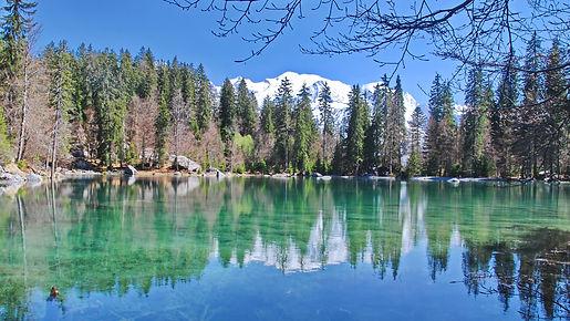 Face au Mont Blanc, le Lac Vert.