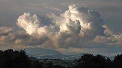 Superbe cumulo nimbus qui prépare l'orage.