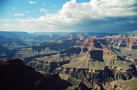 L'orage s'avance sur le Grand Canyon.