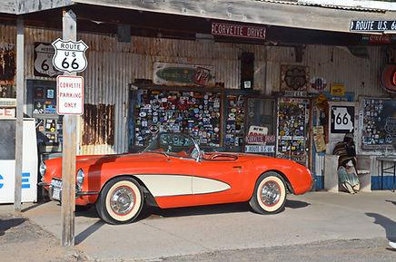 Corvette 1957 à Hackberry Arizona sur la Route 66.