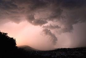 Ciel d'orage sur le lac du Bourget.