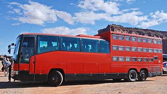A Monument Valley, autocar dortoir immatriculé en Allemagne !