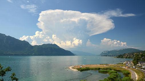 Fin juillet, l'orage va s'abattre sur le Grand Colombier.