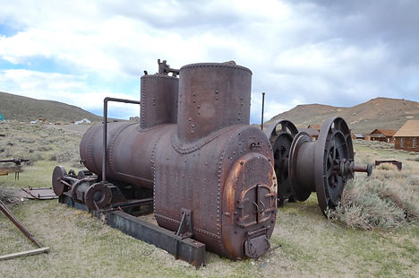 Machine à vapeur de 1878 ! Respect à ceux qui l'ont acheminée ici !!!
