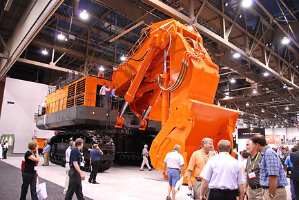 Minexpo 2008 Pelle Hitachi d'un poids de 360 tonnes et godet de 21 m3.