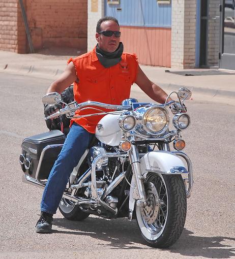 Winslow Arizona, presque jamais de casque pour les motards.