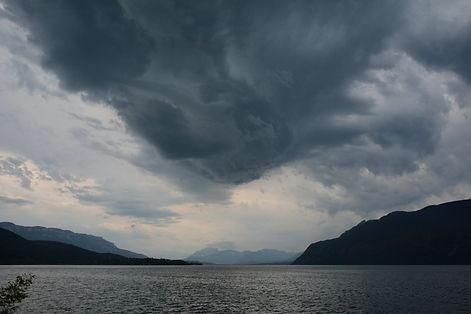 Orage en vue sur le lac du Bourget, Savoie.