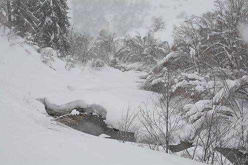 Haute Maurienne, la nature est enfouie sous la neige.