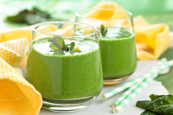 Baby Spinach and Peach Smoothie