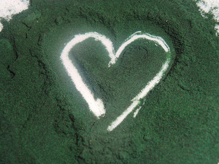 Spirulina - The Detoxifying, High Protein Super Food, Perfect for Juicing.