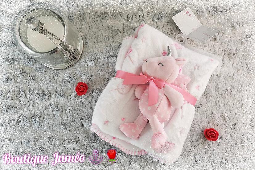 Plaid bébé coloré et douce avec petite peluche