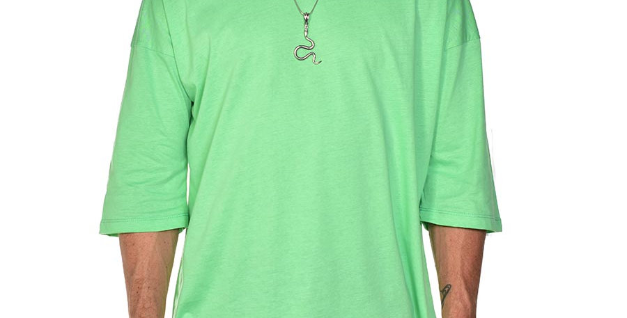 Camiseta boxy fit oversize verde