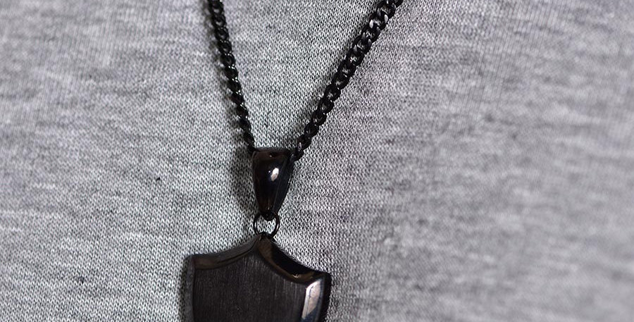 Collar shield black