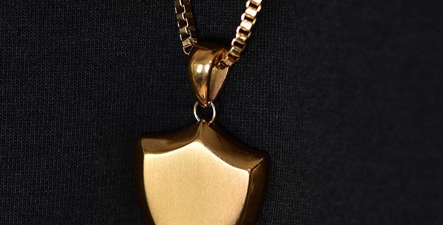 Collar escudo dorado 70cm