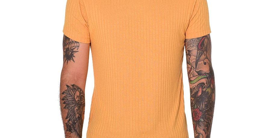 Camiseta cuello tortuga slim mostaza