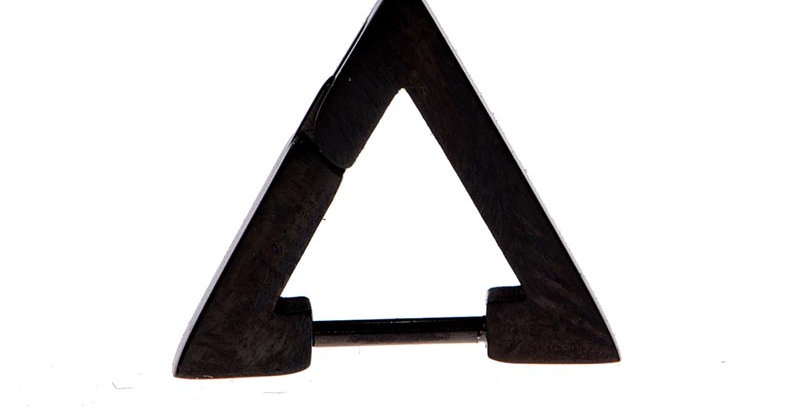 Arete triangular negro