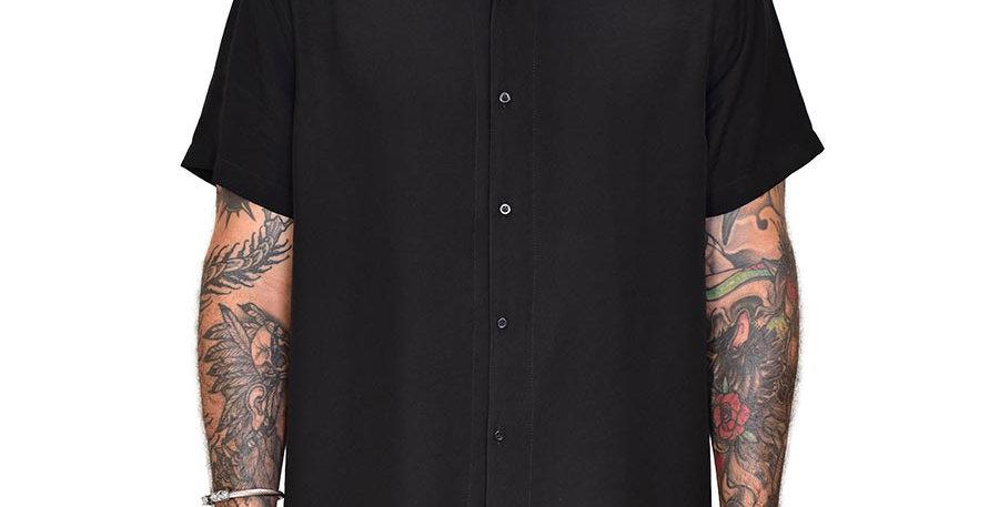 Camisa semi-oversized negra unicolor