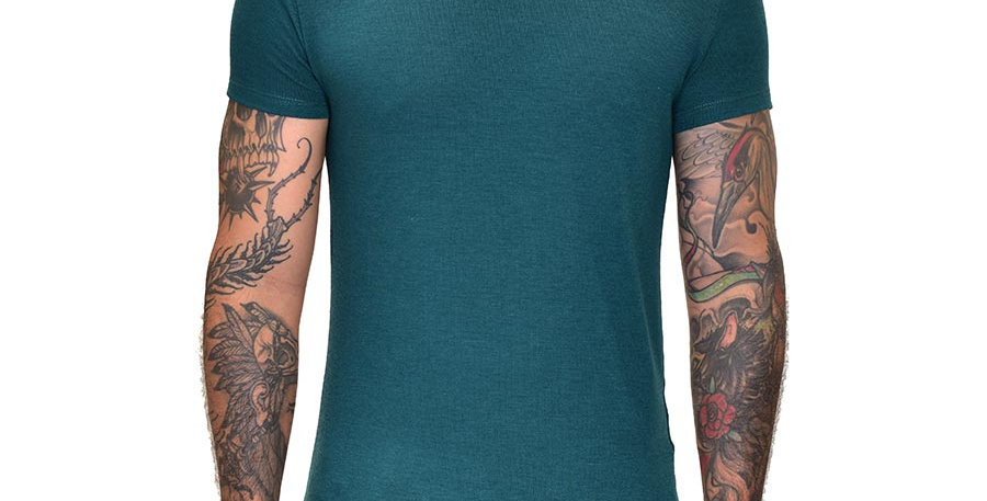 Camiseta cuello tortuga verde esmeralda