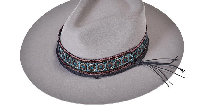 Sombrero tolum blanco hueso