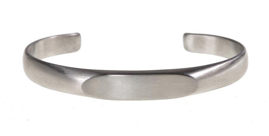Minimal bangle silver
