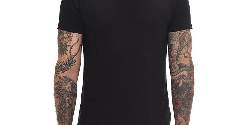 Camiseta cuello tortuga slim negra