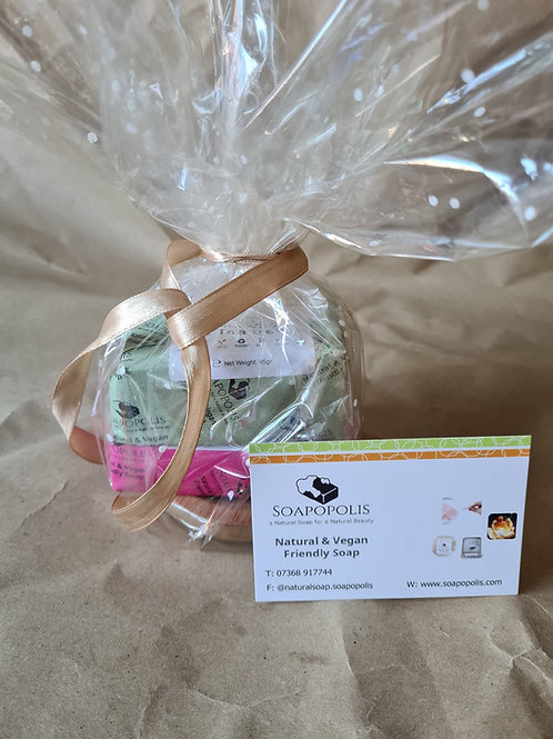 2 handmade Soaps with bamboo soap dish