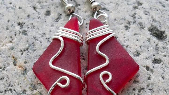 Cranberry Mermaid Tears Earrings