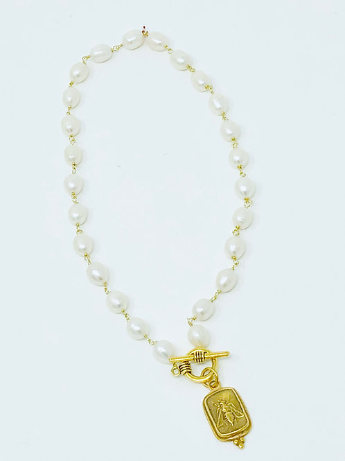 copy of Pearl toggle Bee necklace