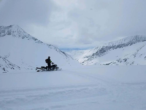 snowmobiling-in-montana.jpg
