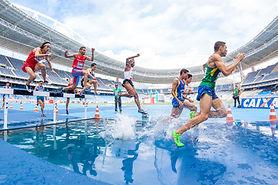 Springen über Wasser