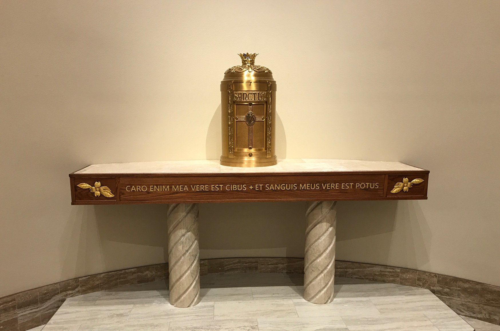 Tabernacle throne