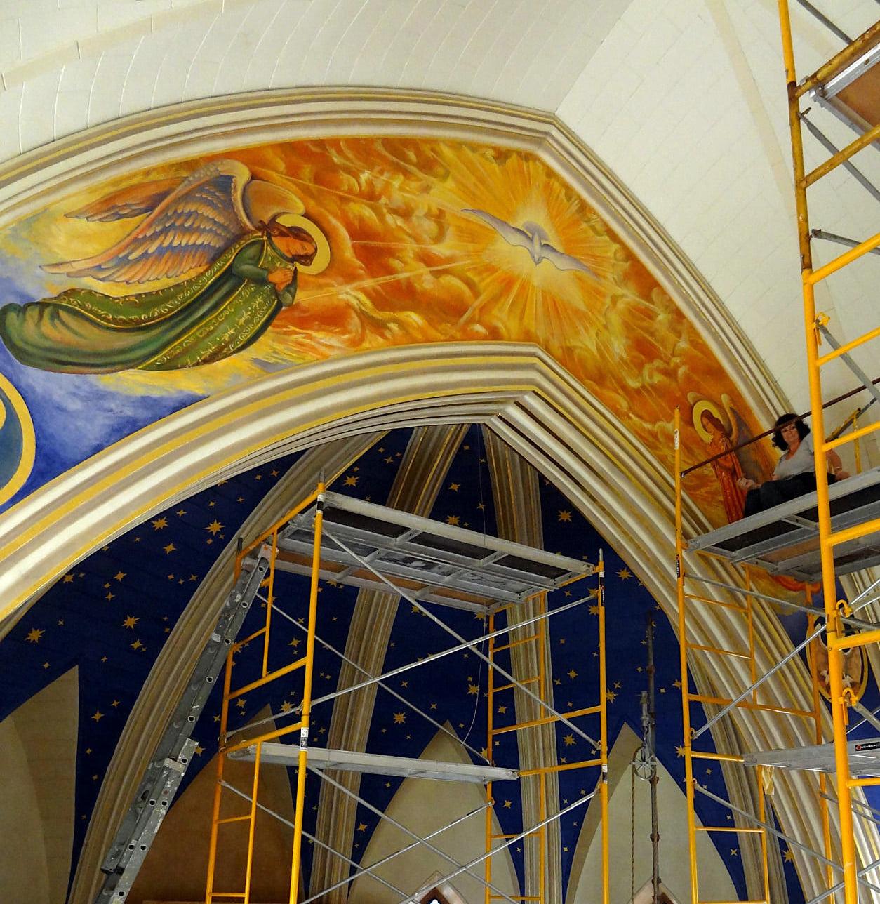 Lamb of God, Holy Spirit and Pelicanus apse mural