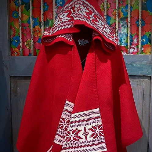 Hooded  throw with tassels