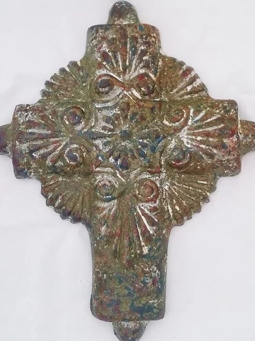 Clay cross with rays