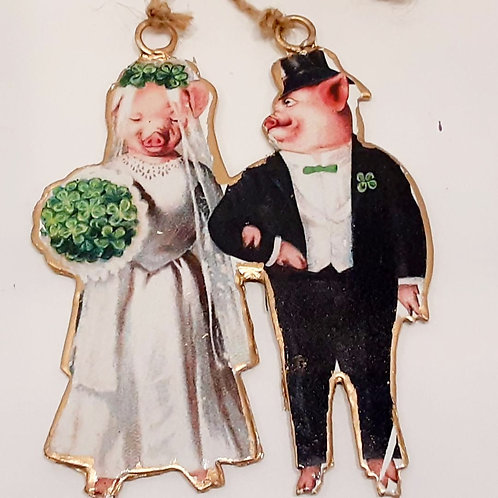 Pigs in Love Ornament