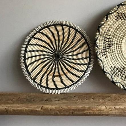 Wandhanger - naturel/zwart met schelpjes 34cm