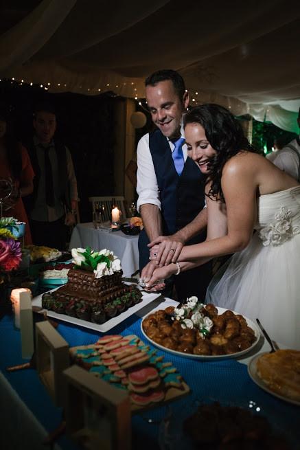 Sydney wedding dessert table, cutting cake