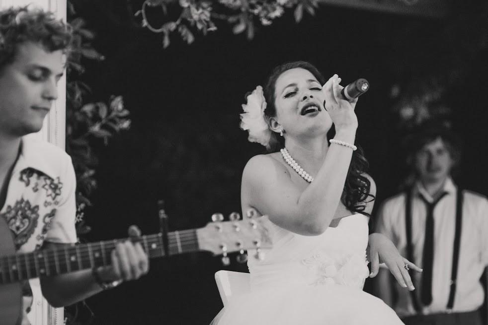 Serenading the groom - wedding music